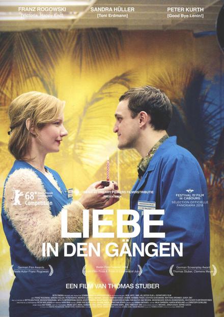 Liebe in den Gängen / regie Thomas Stuber ; scenario Thomas Stuber en Clemens Meyer