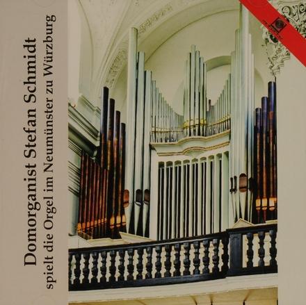 Domorganist Stefan Schmidt spielt die Orgel im Neumünster zu Würzburg