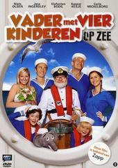 Vader met vier kinderen op zee