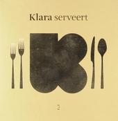 Klara serveert. 3