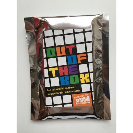 Out of the box : een informatief spel over interculturele communicatie