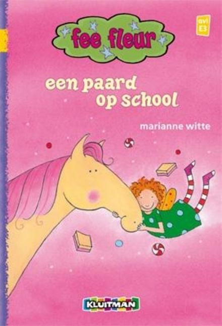 Een paard op school