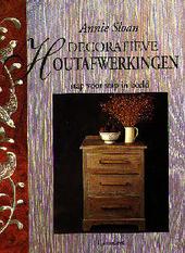 Decoratieve houtafwerkingen stap voor stap in beeld