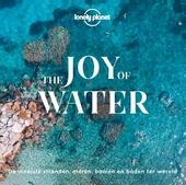 The joy of water : de mooiste stranden, meren, baaien en baden ter wereld