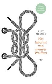 Het labyrint van meneer Wolffers : roman in twaalf wandelingen
