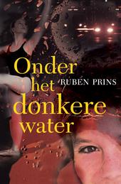 Onder het donkere water