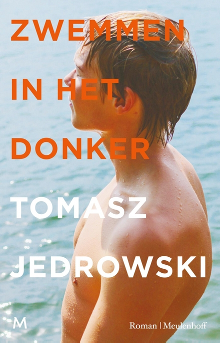 Zwemmen in het donker : roman