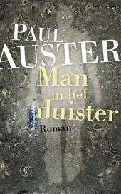 Man in het duister : roman