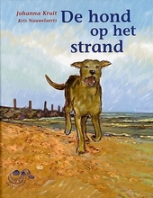 De hond op het strand