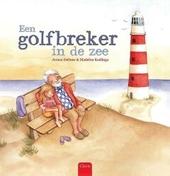 Een golfbreker in de zee