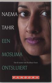 Een moslima ontsluiert