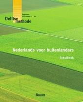 Nederlands voor buitenlanders. Tekstboek
