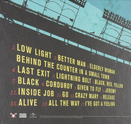 Let's play two : Pearl Jam live at Wrigley Field
