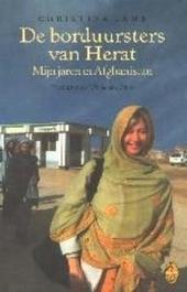 De borduursters van Herat : mijn jaren in Afghanistan : aangrijpende memoires van een veelvuldig bekroonde journali...